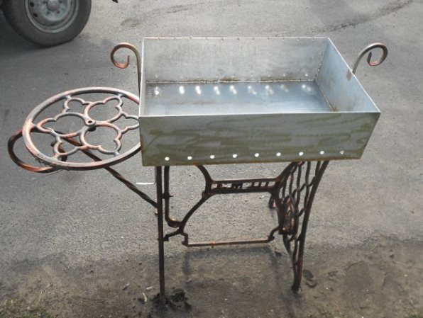 Фото конструкции из швейной машины